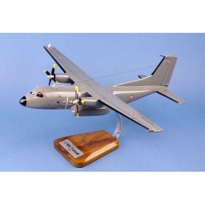 Avión F4U USN Runway24