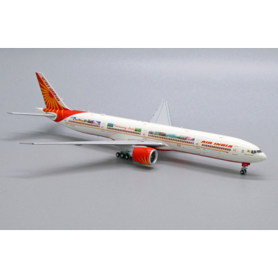 "1:100 Eurocopter EC135 ""Flying Red Bulls"""