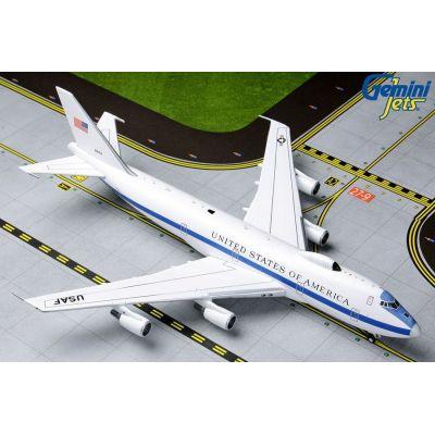 B787-8 American Airlines N802AN